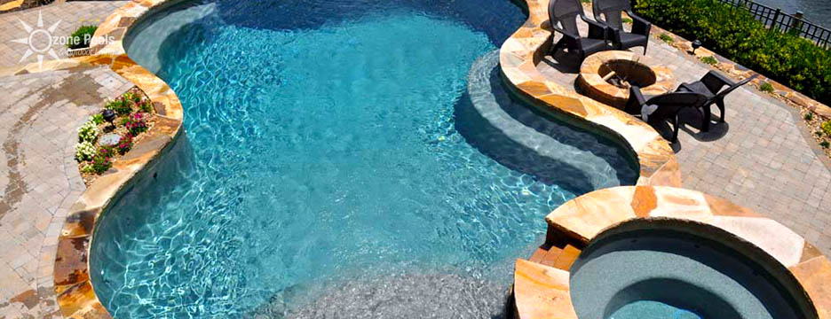 Freeform Pool & Spa with Fire and Water Features